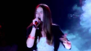 """Hanna Michalowicz singt """"Hurt"""" von Christina Aguilera beim The Voice Kids Live Konzert in Oberhausen"""