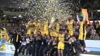 Modena alza la Supercoppa Italiana