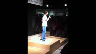 Miguel Guerreiro sings at Kichijoji 2