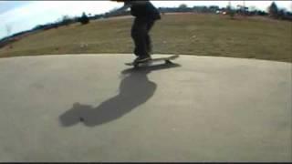 my friends skateboarding.(Windows Movie Maker Sucks ASS)
