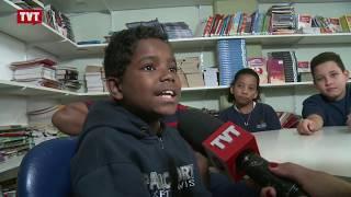 Gustavo, 10 anos, dá uma aula de cidadania contra o racismo