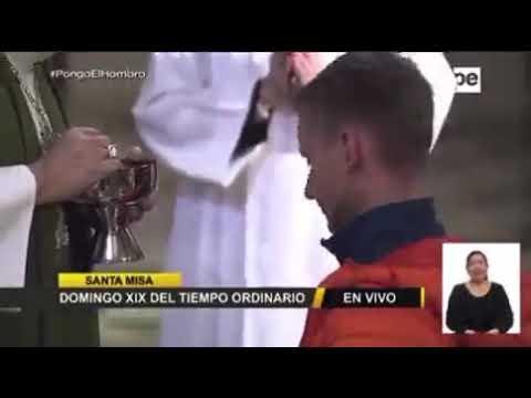 Arcebispo de Lima (Peru) recusa a dar Eucaristia para jovens que queriam receber na boca e de joelhos