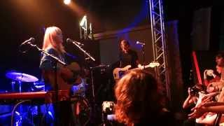 Lucy Rose - Middle Of The Bed (live in Liverpool 16th Oct 2014)