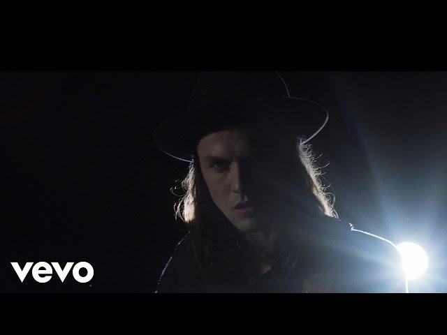 "Video de ""Hold back the river"" de James Bay"