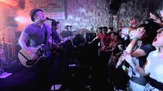 Fall Out Boy - My Songs Know What You Did In The Dark (Light Em Up) [Live at SXSW]