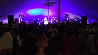 Alison David and The Earthquakes perform Tainted Love