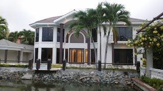 Video de presentación de una casa de lujo en venta en Laguna Club, Guayaquil, Ecuador.