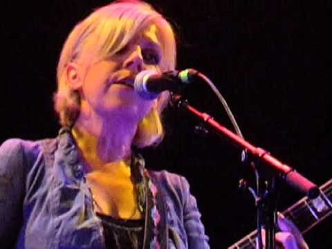 tanya-donelly-swoon-live-islington-assembly-hall-london-25-09-14-andunemir