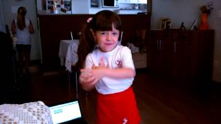 "Sabrina cantando ""Molim molim"""