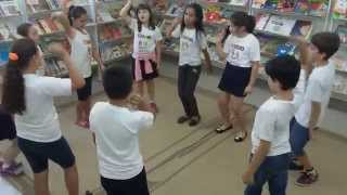 Brincando: Flecha de palmas
