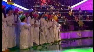 "Coro Infantil Vox Laci ""Santa Claus is Coming to Town!"""