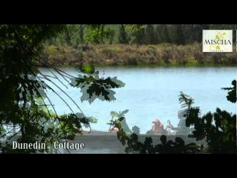 Mischa farm stay – Dunedin Cottage