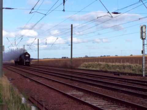 A4 60009 Union of South Africa passes Drem 7 April 2009