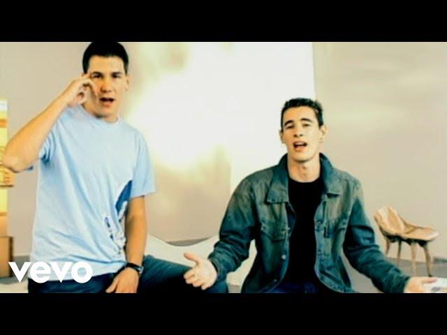 Vídeo de la canción Son de Amores de Andy y Lucas