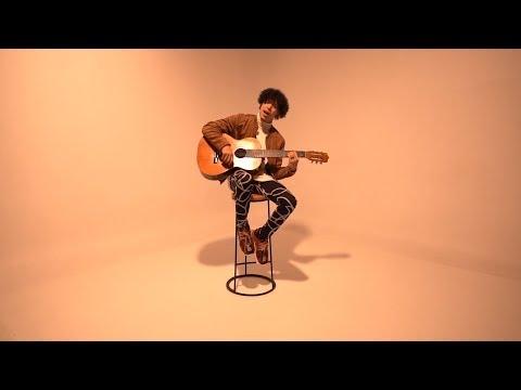 Besame Sin Sentir de Micro Tdh Letra y Video