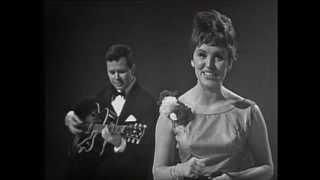 1963 Eurovision Denmark - Grethe & Jorgen Ingmann - Dansevise HQ