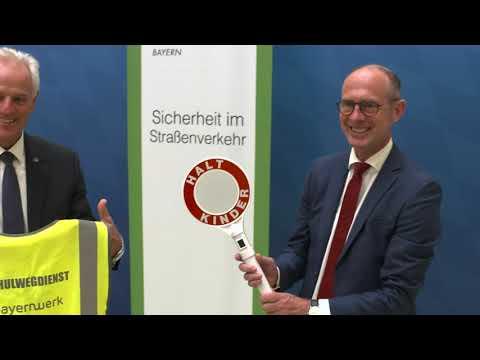 Landesverkehrswacht Bayern und Bayernwerk für mehr Sicherheit von Kindern auf dem Schulweg
