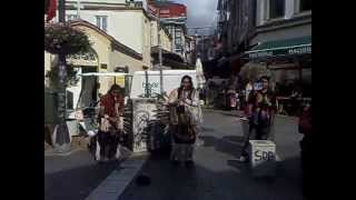 Kızılderili sokak müzisyenleri - Ly o lay ale loya