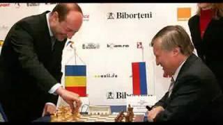 Basescu pentru noi e Ceausescu doi