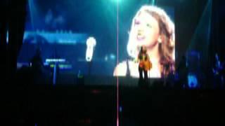 Paula Fernandes em Leopoldina MG - Long Live feat Taylor Swift