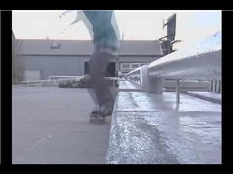 Skateboarding Tricks : Back Side 50-50 Foot Placement