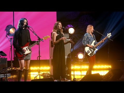 Warpaint Performs 'Whiteout'