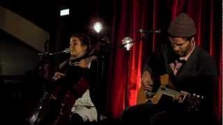 Dom La Nena feat Piers Faccini - Cancao Boba Live in Paris 2012