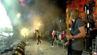 Kasabian - Shoot The Runner (Live at Glastonbury 2009)