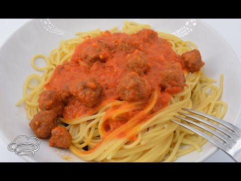 Espaguetis con albóndigas en salsa Mycook y brócoli al vapor