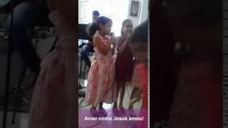 Carolinda - Amar como Jesus amou! - Cantando com as amigas!