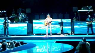 "CMTV - Darius Rucker ""Let Her Cry"" (LIVE)"