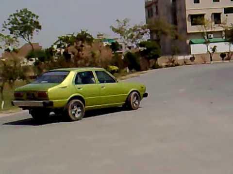 1976 toyota corolla in pakistan burawala.mp4