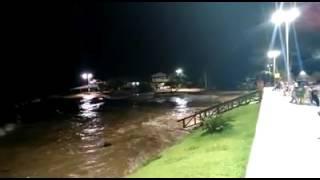 Maré invadindo a praia de Salvaterra no Marajó