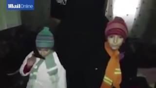 Видео показва как майка и баща изпращат 9-годишната си дъщеря на джихад