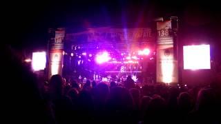 Calle 13 - Ojos Color Sol (Fiesta del Lago 2015)
