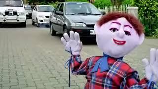 तात्या विंचू क्रॉसिंग ऑन  रोड comedy video from झपाटलेला movie