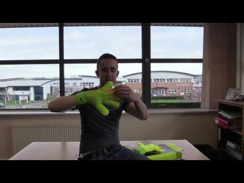 Nike GK Vapor Grip 3 Goalkeeper Glove Preview