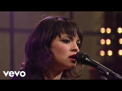 norah-jones-all-a-dream-live-on-letterman-norahjonesvevo