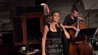 Wieder im Büro - Julia Schiwowa & Band