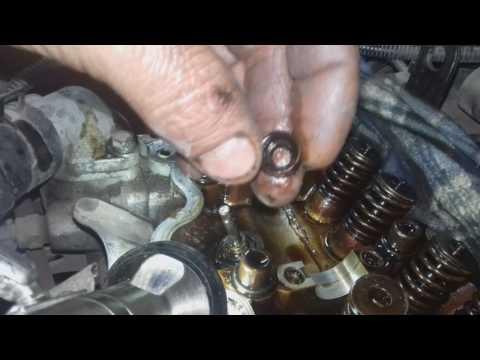 Hyundai Getz замена сальников клапанов на двигатели  V-1.4  12 клапанов.