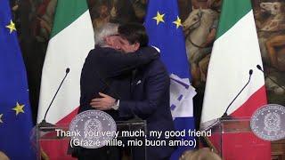 """Juncker a Roma: """"Tra Italia e Commissione europea è grande amore, ditelo ai vostri ministri"""""""