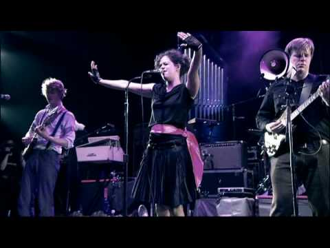 arcade-fire-poupee-de-cire-poupee-de-son-live-in-paris-2007-part-7-of-14-arcadefiretube