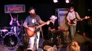 Alone - Cody Jinks and The Tone Deaf Hippies