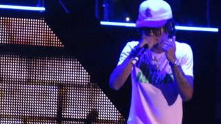 "Nicki Minaj and Rae Sremmurd The PinkPrint Tour ""Throw Some Mo"" pt. 21"