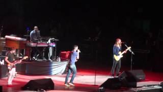 Maroon 5 ft. Wiz Khalifa - Payphone LIVE