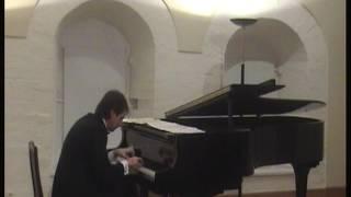 Alexey Kholodov plays Rimsky-Korsakov/Rachmaninov - The Flight of the Bumblebee