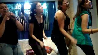 Meninas dançando musica da Xuxa.mpg
