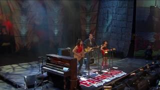 Norah Jones - Cry, Cry, Cry (Live at Farm Aid 25)