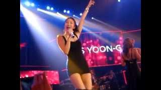 Aurea ft. Ns Yoon G sing Rihanna's umbrella in Vietnam