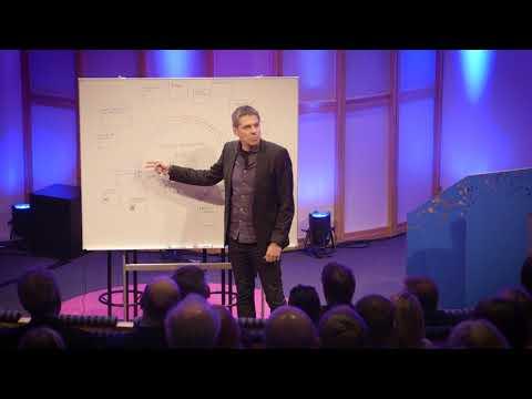 Mikael Tornving förklarar verksamhetsmodellen Vintergatan